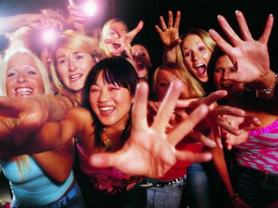 Zalando: Frauen schreien vor Glück.