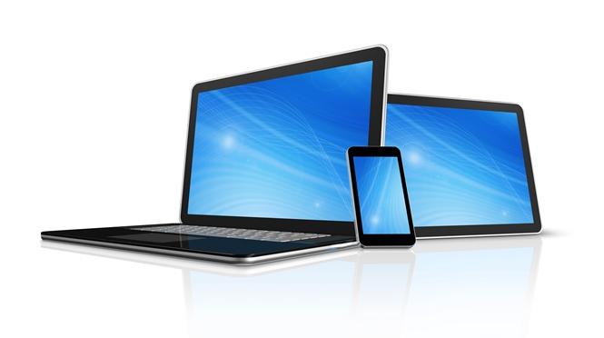 Responsive Webdesign: eins für alles. Zu sehen sind ein Laptop, ein Tablet PC sowie ein Smartphone.