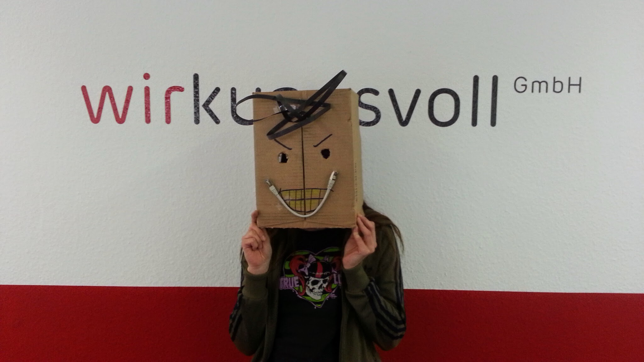 Sabine als Cardboard Tester
