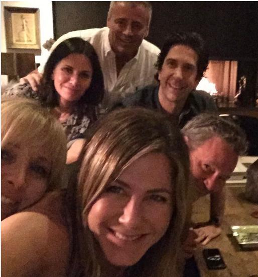 Jennifer Aniston's Friends-Selfie legt Instagram lahm.